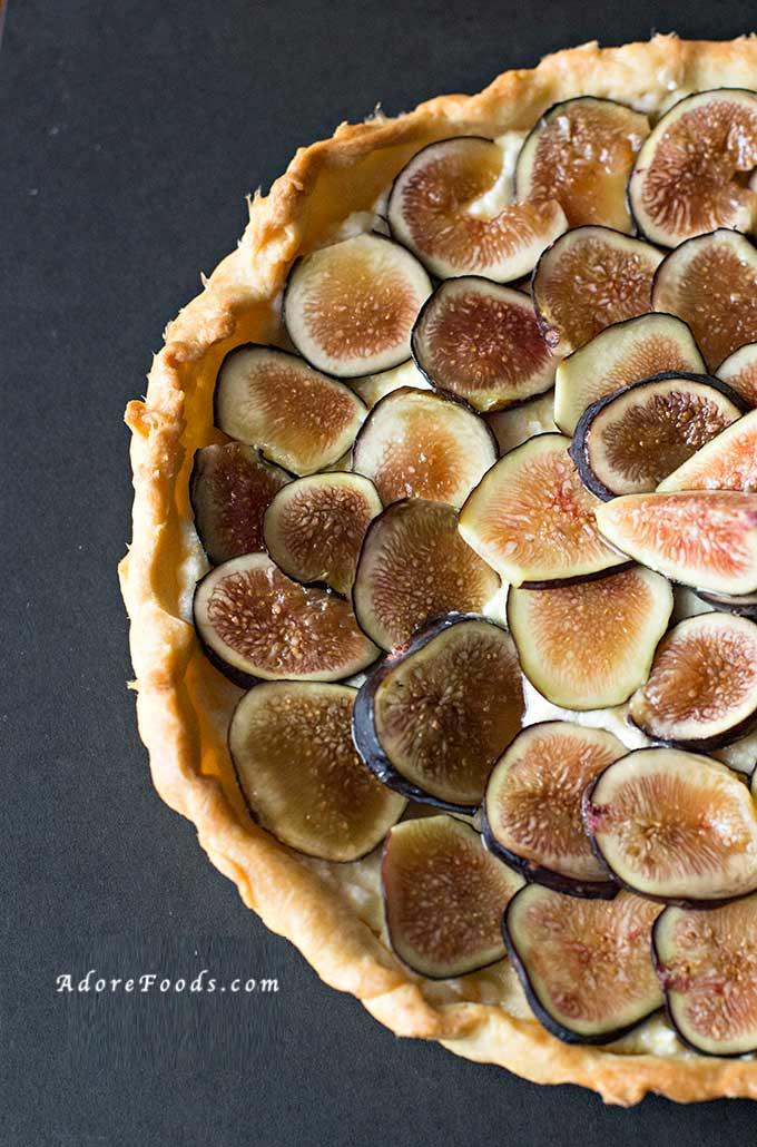 easy fresh fig tart recipe with mascarpone filling